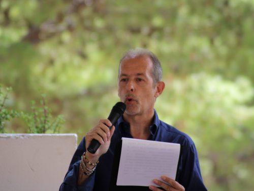 """C'è bisogno di """"buona"""" poesia: Intervista a Giuseppe Vultaggio (video)"""