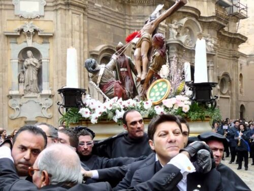 Processione dei Misteri: La via Fardella si, ma senza la sosta a Piazza Vittorio! (video)