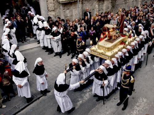 Religiosità Popolare in Sicilia: Sacro e Profano in un connubio inscindibile (video)