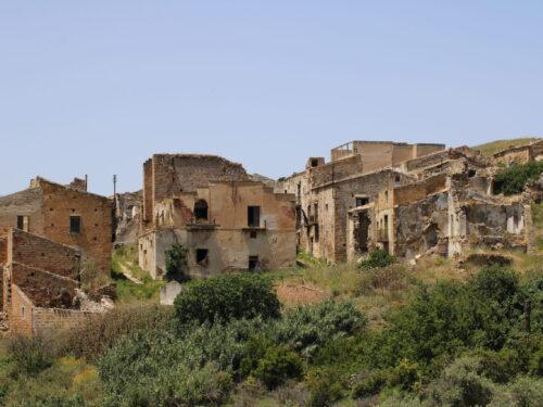 Le città fantasma di Poggioreale e Gibellina (video)