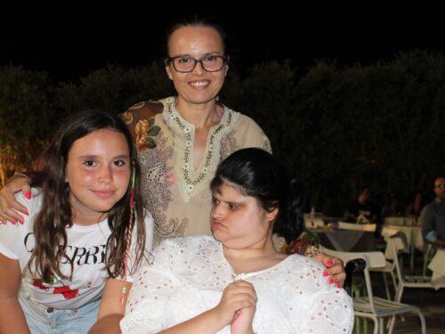 Alessia ha emozionato tutti per il suo diploma, un traguardo speciale per una figlia speciale